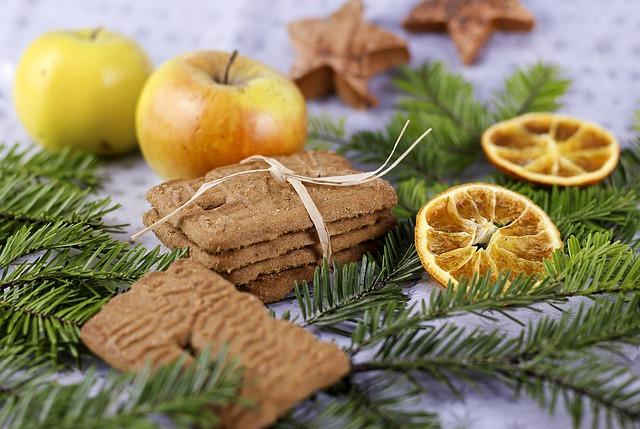 Tiroler Weihnacht mit Weihnachtskeksen