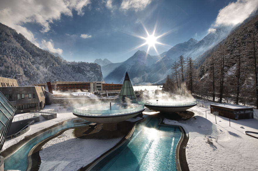 Aqua Dome im Winter Therme inmitten der Tiroler Bergwelt. © AQUA DOME - Tirol Therme Längenfeld,