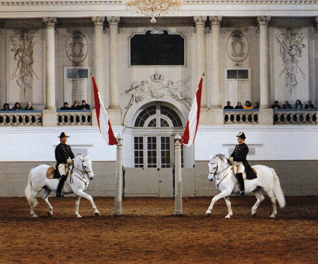 Spanische Hofreitschule: Pas de Deux. © WienTourismus/Spanische Hofreitschule/Herbert Graf