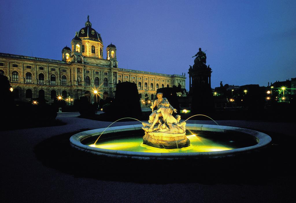 Kunsthistorisches Museum am Maria Theresien Platz Nachtaufnahme © Österreich Werbung, Fotograf: Bohnacker