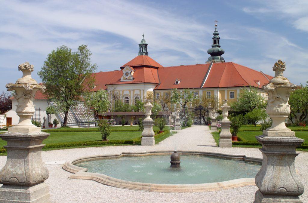 Parkanlage des Stift Seitenstetten, Seitenstetten, Mostviertel, Niederösterreich, Österreich - Convent Seitenstetten, Austria, Lower Austria